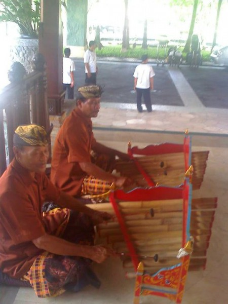 Upon arrival, we were greeted by a small gamelan orchestra  and a large gong.
