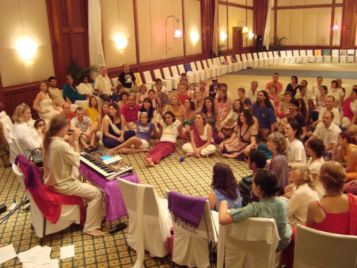 At the end of an evening session, we gathered around Omashar and listened to his inspired music.