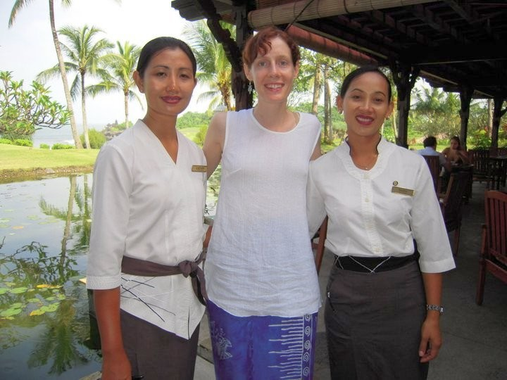 The lovely Alanah with two of the gracious Balinese staff.