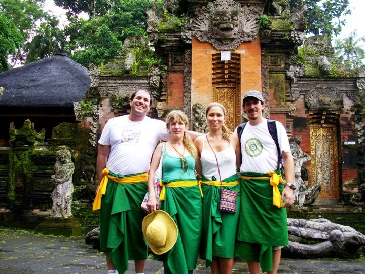 Some of our Brazilians on a visit to a Balinese Temple.