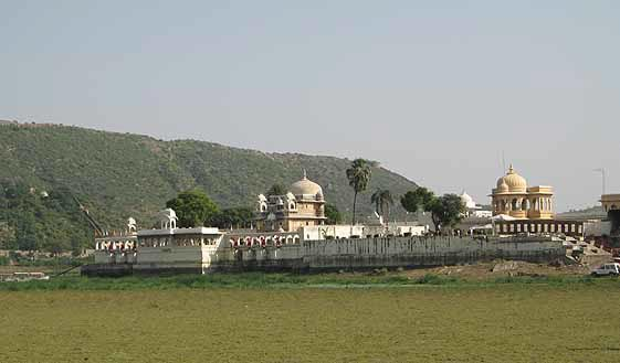 Jagmandir Palace is an island in a sea of grass.