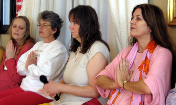 We began each session by opening into One Heart.  Here are Bekoim, BaVel, Indigo & Solara.