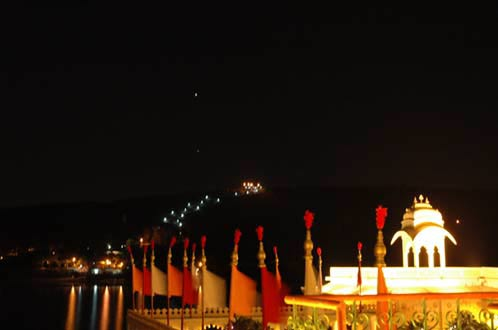 Venus and Saturn over Jagmandir by night