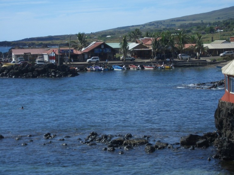 The small harbor of Hanga Roa.