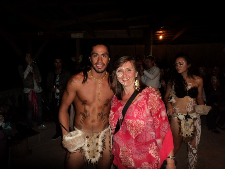 Rosana from Brazil with a Rapa Nui dancer.